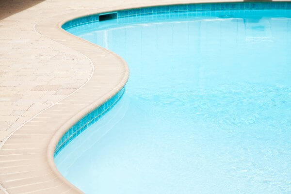 Beautiful-swimming-pool-tiles-by-scarlet-pools-st-louis-missouri