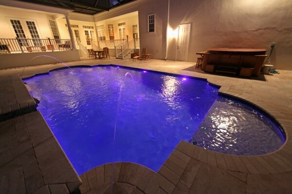 Custom-lighting-for-concrete-pool-in-Saint-Louis-Missouri