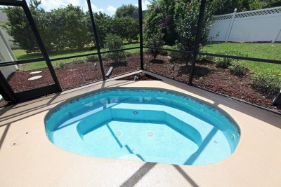 Hexagonal-hot-tub-shape-by-Scarlet-Pool-Missouri